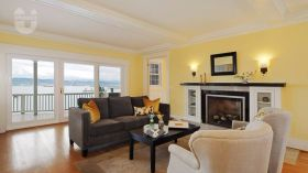 华盛顿大学环境优美居住条件优越的联排别墅