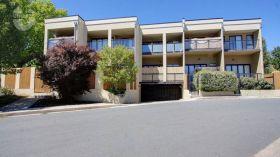 堪培拉文法学校附近现代三居公寓