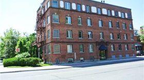 渥太华大学附近温馨公寓