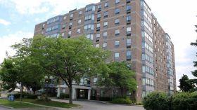 布鲁克大学附近优质三室公寓