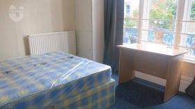 布里斯托西英格兰大学附近三居室公寓