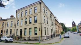 格拉斯哥大学附近三居室公寓