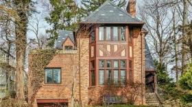 Four rooms elegant house