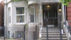 开放式布局的现代三居室公寓