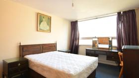 布莱顿2室简洁干净公寓