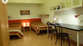 Residence San Marius on Travessera de Gracia St