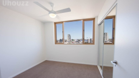 布里斯班两室一卫一车位公寓近昆士兰大学Herston校区立即入住