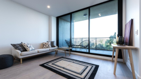 阿德莱德两室一卫一车位公寓近南澳大学City West校区立即入住