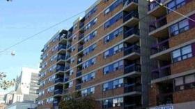 105 Mccaul St 807, Toronto, Ontario, M5T2X4