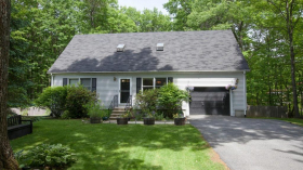 Barrows Rd, Worcester, MA 01609