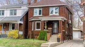 62 Chester Hill Rd, Toronto, Ontario, M4K1X3