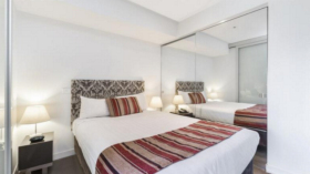 一室一卫一车位公寓近墨尔本大学Southbank校区立即入住