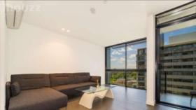 一室一卫一车位公寓近墨尔本大学Southbank校区9月13日起入住