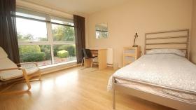 爱丁堡龙比亚大学Sighthill校区附近2间卧室