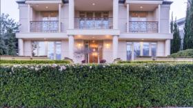 堪培拉五室三卫两车位别墅近澳大利亚国立大学立即入住