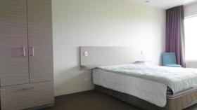 奥克兰一室一卫公寓近ACG预科语言学校7月4日起入住