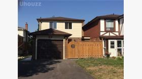 82 Angus Dr, Toronto, Ontario, M2J2X1