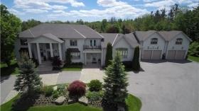 35 Walnut Glen Pl, Markham, Ontario, L6C1A3
