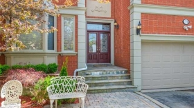 33 Coldwater Crt E, Vaughan, Ontario, L4J7S4