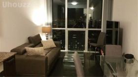 多伦多宽敞一室,带有家具