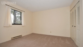 984 McKenzie Apartments