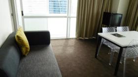 两室一卫公寓近奥克兰大学8月3日起入住