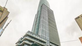 多伦多两室加Den公寓出租,近多伦多大学