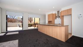 堪培拉两室两卫两车位公寓近澳大利亚国立大学9月21日起入住