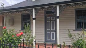 霍巴特四室两卫别墅近塔斯马尼亚大学Hobart校区立即入住