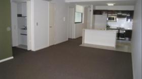 悉尼两室两卫一车位公寓近泰勒学院5月1日起入住