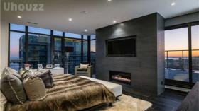多伦多 市中心豪华带家具三室Condo