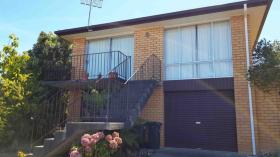 霍巴特两室一卫一车位别墅近塔斯马尼亚大学Hobart校区3月16日起入住