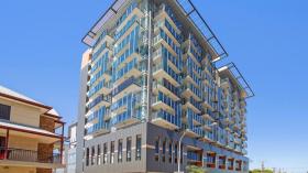 两室两卫一车位公寓近卡耐基梅隆大学澳洲分校立即入住