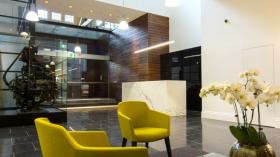 两室一卫一车位公寓近墨尔本皇家理工大学City校区5月份入住