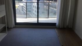 两室一卫一车位公寓近墨尔本大学Southbank校区立即入住