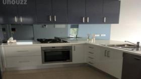 墨尔本两室一卫一车位公寓近迪肯大学Burwood校区8月20日起入住