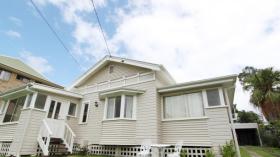 布里斯班一室一卫一车位公寓近昆士兰大学St Lucia校区立即入住