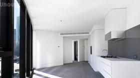 两室两卫一车位公寓近墨尔本大学Southbank校区8月14日起入住