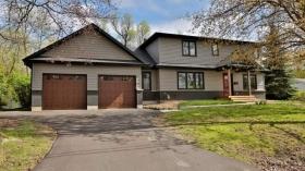 818 Haig Rd, Hamilton, Ontario, L9G3G9