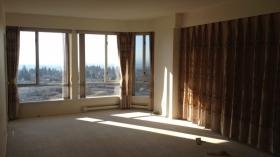 本拿比宽敞的三室两卫公寓