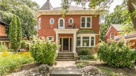 43 Young St W, Waterloo, Ontario, N2L 2Z4