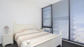 墨尔本一室一卫一车位公寓近墨尔本大学Southbank校区立即入住