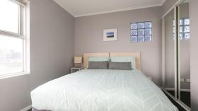 两室一卫一车位公寓近墨尔本皇家理工大学City校区3月13日起入住