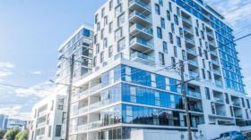 两室一卫一车位公寓近迪肯大学Melbourne Burwood校区立即入住