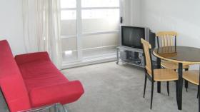 一室一卫公寓近奥克兰大学9月10日起入住