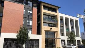 两室两卫一车位阿德莱德公寓近南澳大学City West校区三月底起入住