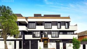 墨尔本两室两卫一车位公寓近莫纳什大学Caulfield校区8月22日起入住