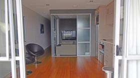 奥克兰一室一卫公寓近ACG预科语言学校立即入住