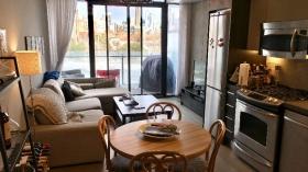 多伦多带阳台一居室出租