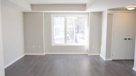 北约克2居室+DEN公寓出租